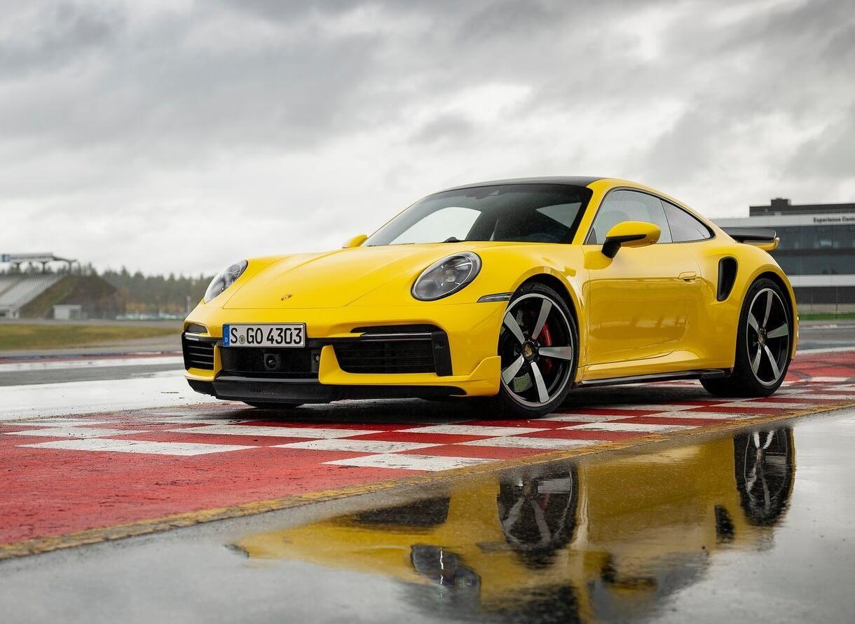 أفضل سيارة رياضية في العالم 2021