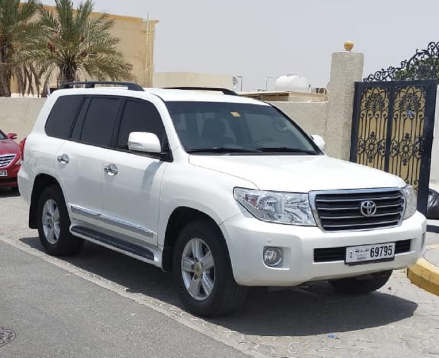 تويوتا لاند كروزر 2014 مستعملة للبيع في حراج الإمارات