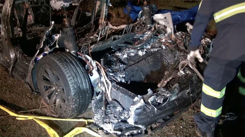 حادث سيارات تيسلا