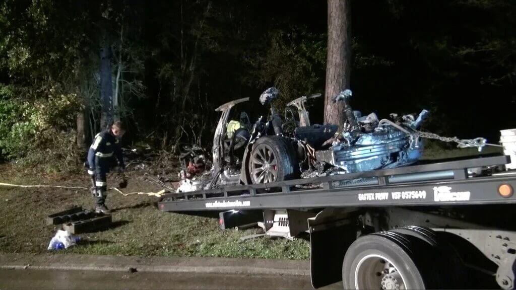 حادث سيارات تيسلا في تكساس 2021