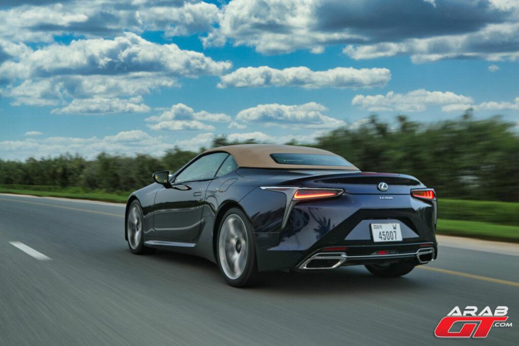 سيارة لكزس 2021