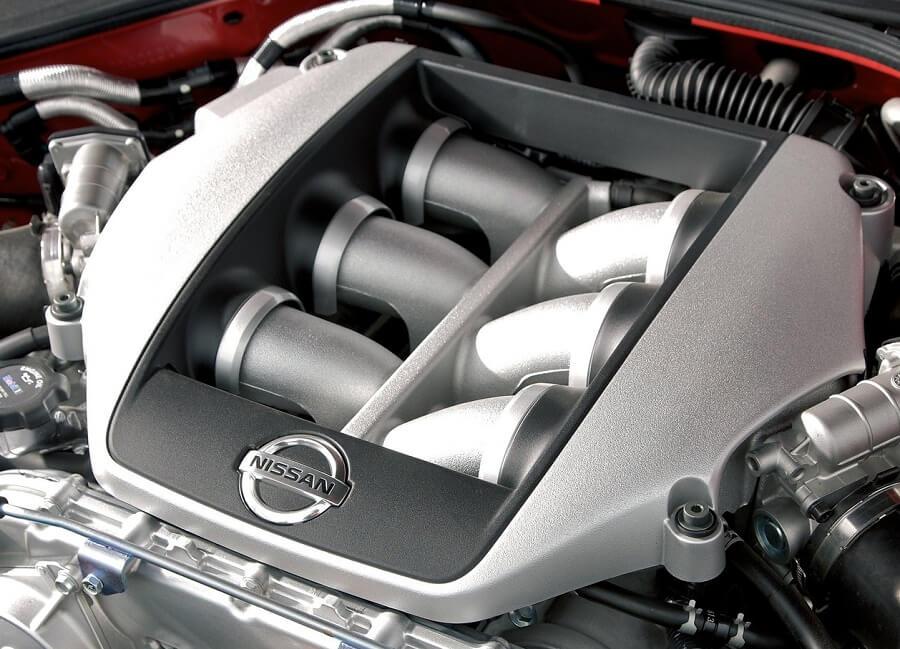 محرك نيسان جي تي ار
